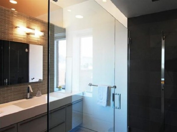 Black and White Apartment Interior Designs bathroom view