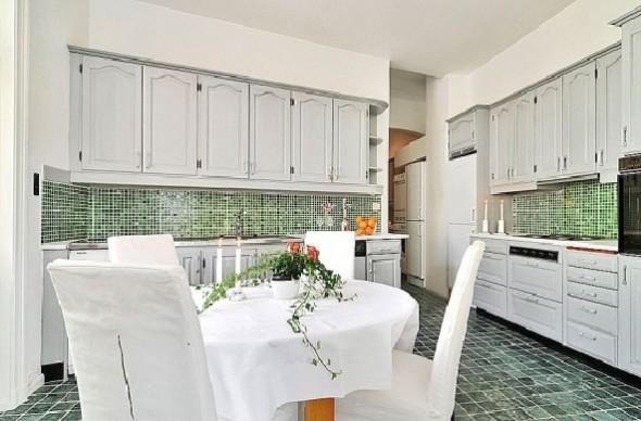 Classic Interior Decor Apartment-dining room
