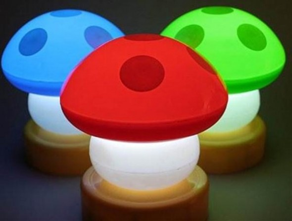 colorful-mushroom-Lamp-with-Cute-and-Funny-Design
