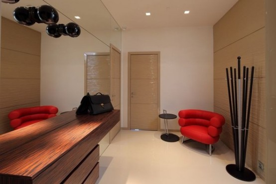 luxury red apartments in Moskow