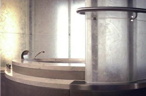 Bath Tube Seattle Glass Apartment by Olson Sundberg Kundig Allen Architects