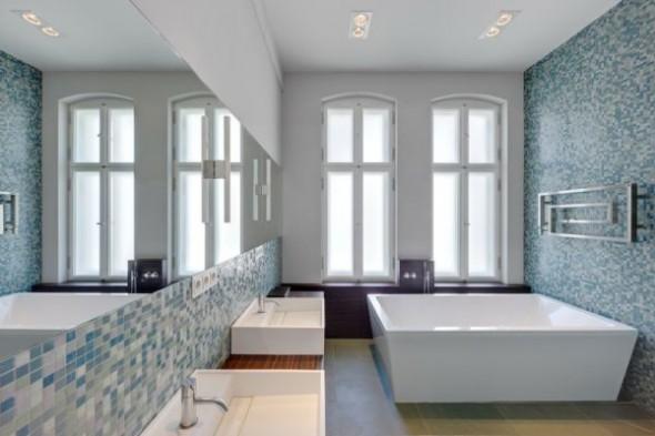 bathtub Wilhelminian Apartment Berlin