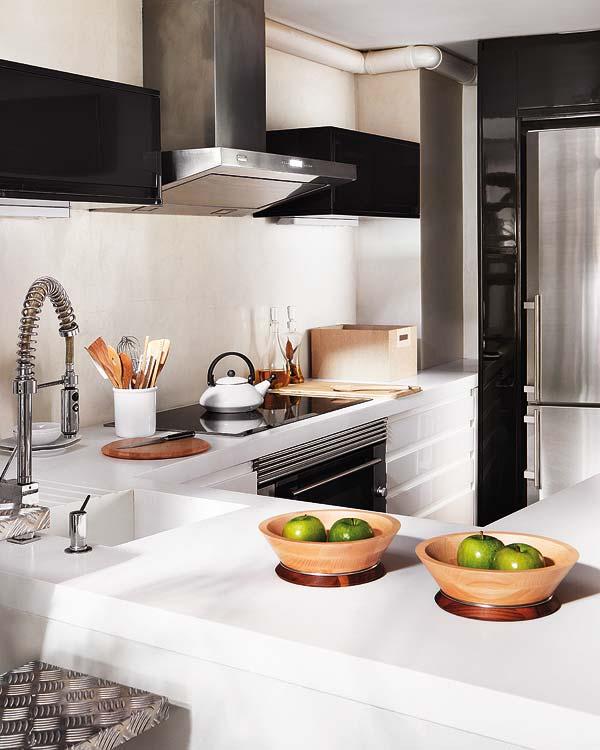 Kitchen Duplex Apartment in Central Madrid