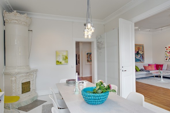 Linnestaden Apartment - White smooth walls, stucco and ceiling rose